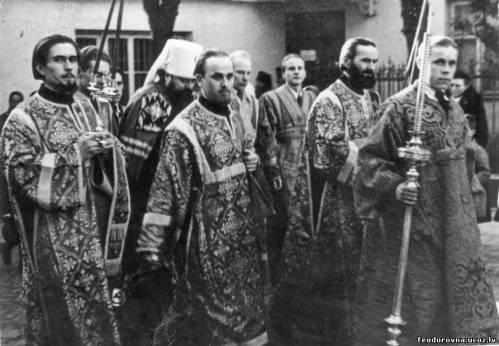 Встреча со славою митрополита Сергия (Воскресенского) перед литургией в вильнюсском Свято-Духовом монастыре