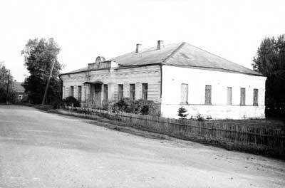 Церковно-приходская школа в с. Шипилово, где учился о. Косма. Фото 1989 г.