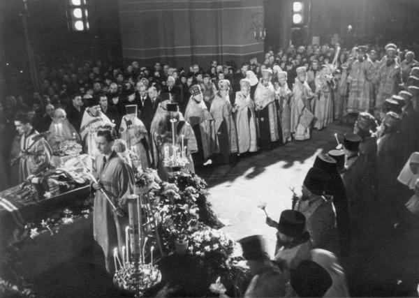 Отпевание тела Вадыки Экзарха в Кафедральном соборе